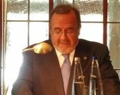 El Prof. Dr. Dr. h.c. mult. Luzón Peña durante su alocución