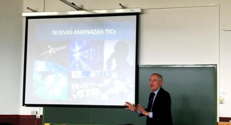 """5-5-2016. Conferencia del Prof. Dr. González Cussac sobre """"Terrorismo y criminalidad organizada como amenazas a la seguridad nacional"""""""