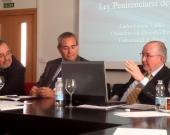 El Prof. Dr. Carlos García Valdés durante su ponencia, moderado por el Prof. Dr. Esteban Mestre