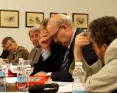 El Prof. Dr. Dr. h.c. mult. Luzón Peña interviene en el debate tras la ponencia del Prof. Dr. Manes.