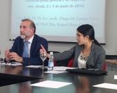 D.ª Natalia Torres Cadavid durante el debate de su ponencia, moderada por el Prof. Dr. Díaz y García Conlledo.