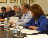 El Prof. Dr. Paredes Castañón interviene en el debate tras la ponencia de la Prof. Suárez López.