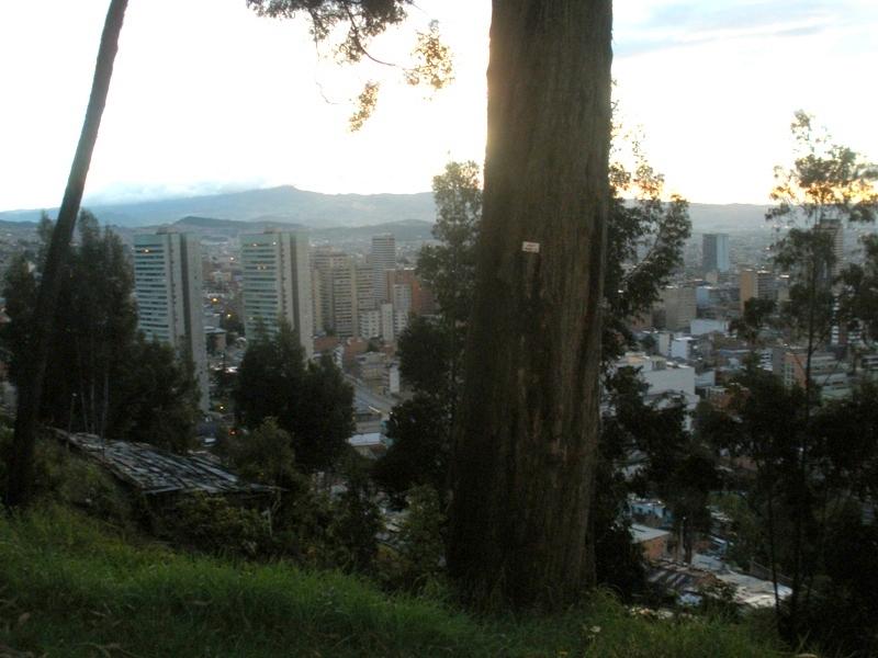 143. Bogotá, 26-9-2010,desde la Circunvalar.