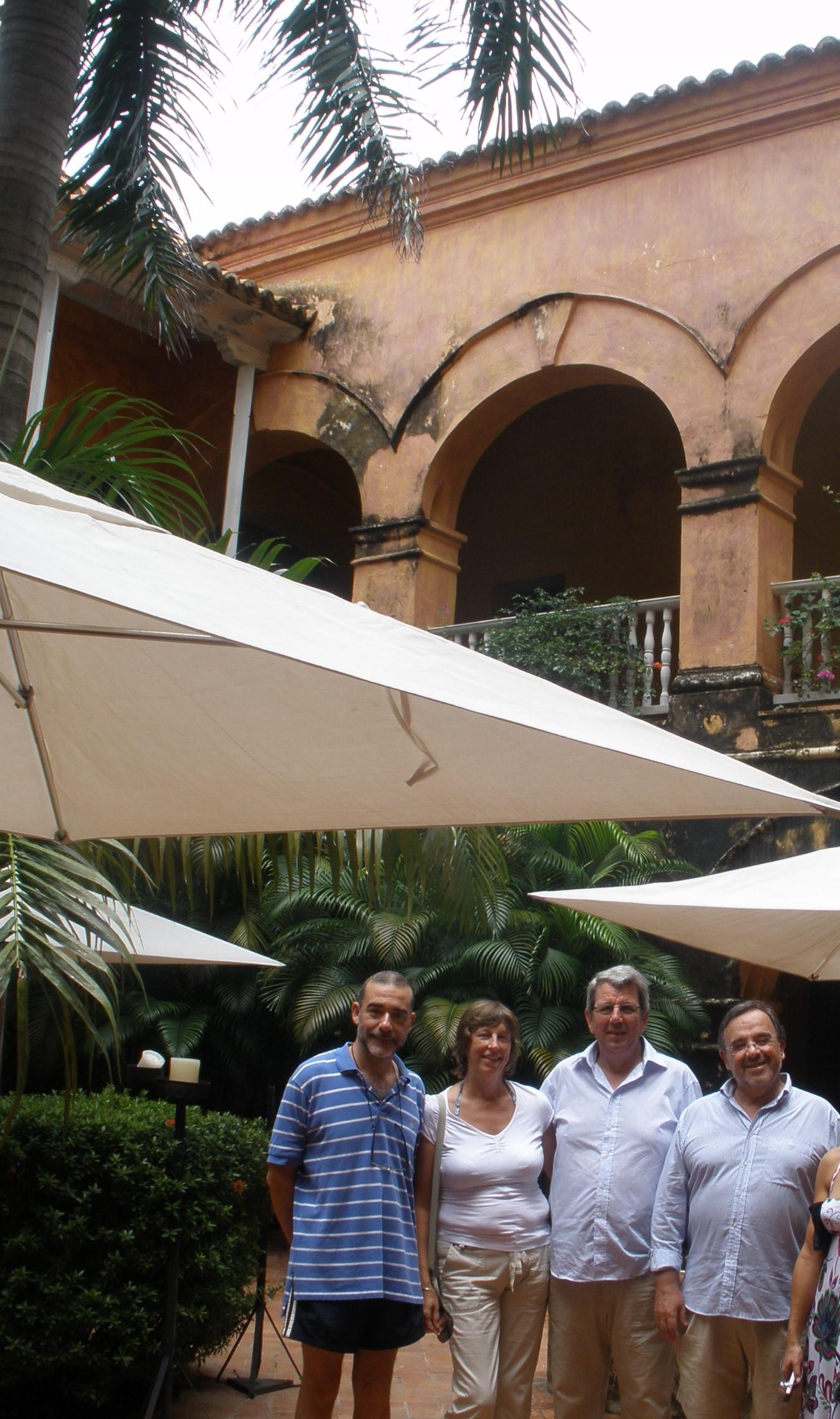 10-10-1. Cartagena. Hotel Santa Teresa. El Prof. Díaz, el Prof. de Vicente junto a su esposa y el Prof. Luzón.
