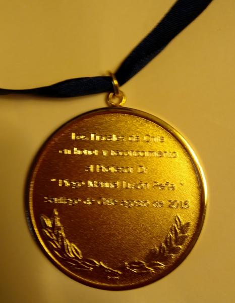 Imagen de la medalle en su reverso