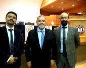 12/08/2016. El Prof. Dr. Dr. h.c. mult. Luzón Peña acompañado por el Prof. Carlos Cabezas (Univ de Antofagasta) y el Dr. Christian Scheechler Corona (Univ. Catól. del Norte, Dir. de las Jornadas)