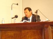 1. Facultad Derecho Univ. León. El Prof. D. Jaime Lombana durante la defensa de su tesis doctoral.