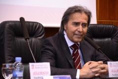 El Prof. Dr. Dr. h.c. mult. Mir Puig pronuncia su discurso de agradecimiento