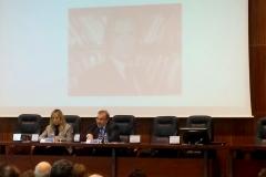 El Prof. Dr. Dr. h.c. mult. Luzón Peña*, Presidente de honor de la FICP, durante su ponencia, moderado por la Prof. Dra. Fernández Bautista, socia de la FICP.