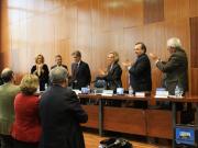 57. Fac. Derecho, Univ. Barcelona, 17-12-2010. Aplauso al Prof. Mir Puig de los asistentes a la entrega de su Libro Homenaje.