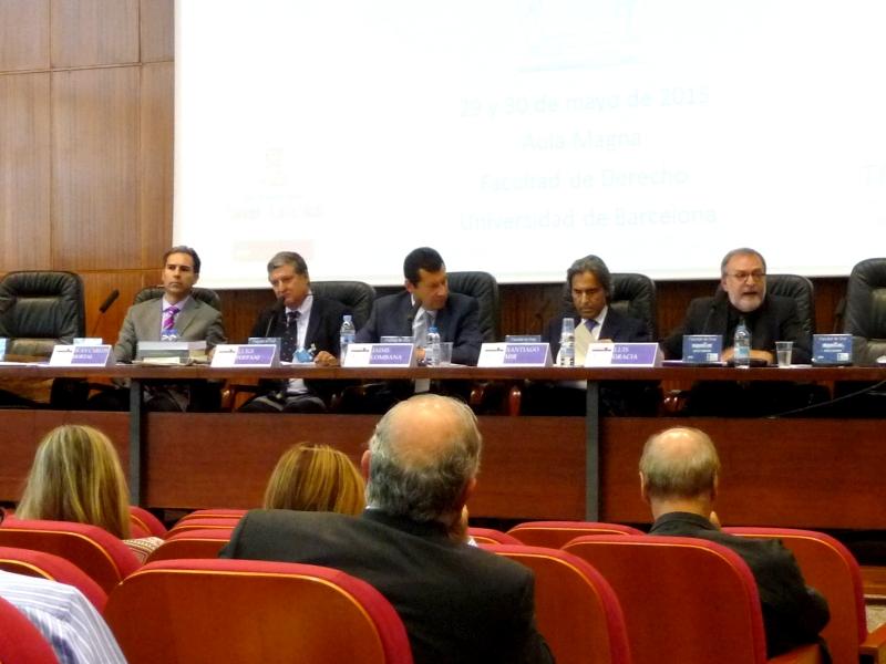 Imagen de la 5ª mesa: de izq. a dcha, los Profs. Dres. Hortal Ibarra, Foffani, Lombana Villalba (moderador), Mir Puig y Gracia Martín.