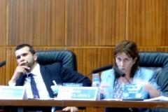 La Prof. Dra. Olaizola Nogales durante su ponencia. A la izq., el Prof. Dr. Chiesa.
