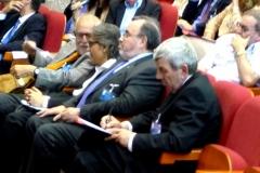Los Profs. Dres. Muñoz Conde, Mir Puig, Luzón Peña y de Vicente Remesal en primera fila. Detrás, el Prof. Dr. Gracia Martín.