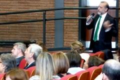 El Prof. Dr. Díaz y García Conlledo interviene en el debate de la 3ª mesa del I Congreso.