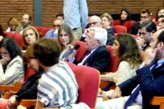 El Prof. Dr. Cervini interviene en el debate de la 5ª mesa.