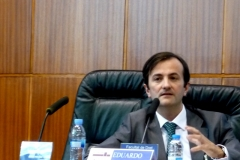 El Prof. Dr. Demetrio Crespo durante su ponencia.