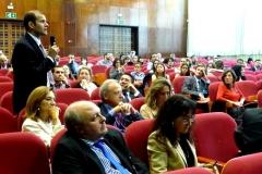 El Prof. Dr. Greco interviene en el debate de la 2ª mesa.