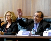 El Prof. Dr. Dr. h.c. mult. Luzón Peña durante su ponencia.