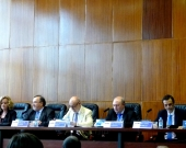 Imagen de la 3ª mesa: de izq. a dcha., los Profs. Dres. Corcoy Bidasolo, Luzón Peña, el Excmo. Sr. Maza Martín y los Profs. Dres. Paredes Castañón y Robles Planas.