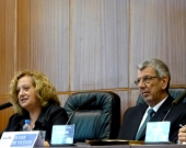 Los Profs. Dres. Corcoy Bidasolo y de Vicente Remesal durante la apertura del I Congreso