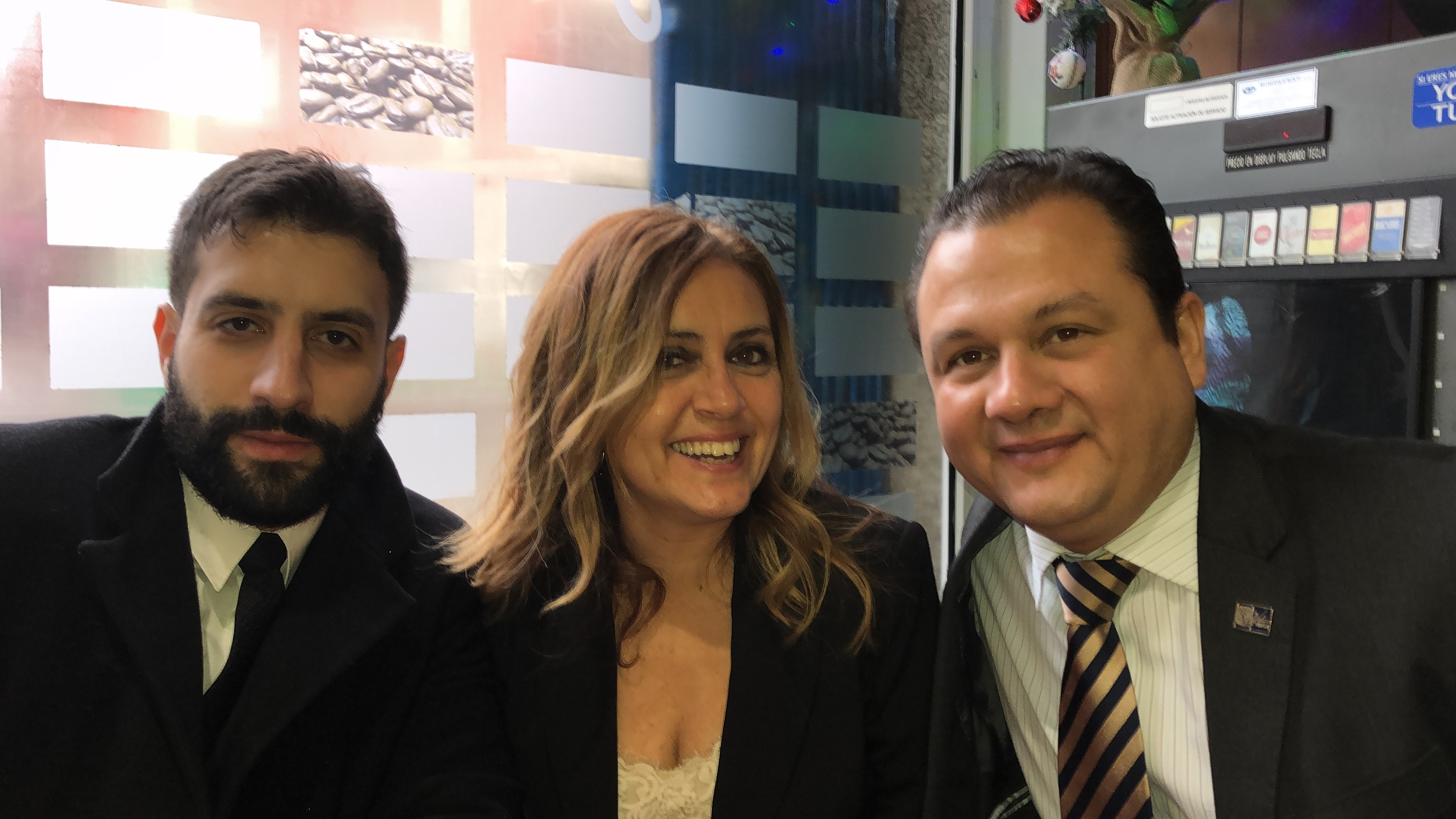 18-12-18 cena León 11 en Ezequiel.  Isab_ LuisMig Ramos_ Alfr Estévez