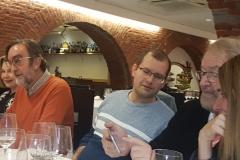 18-12-18 cena Leon 5 en Ezequiel. Ter, Fdo MunCamp, Grec, Schun, Silv