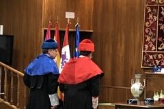 18-12-18 investid DL UniLeón 32a DL-maestrCerem saludan presid antes lectio