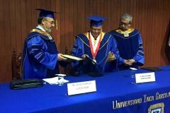 2016-10-13 UIGarcilVega Dr.h.c 4 rector e.f. entrega resoluc nombram