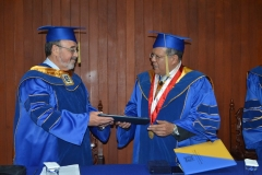 2016-10-13 UIGV 4 Drhc DLP ViceR rector e.f. entrega tit
