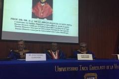 2016-10-13 UIGarcilVega Dr.h.c 1 DLP, ViceR rector e.f., decano FacDer en lectura nombram