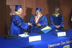 2016-10-13 UIGarcilVega Dr.h.c 2 rector e.f. entrega titulo