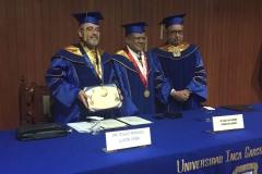 2016-10-13 UIGarcilVega Dr.h.c 9 DLP con titulo, rector e.f., decano FacDer