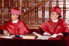 06. Paraninfo de la UA: Los Profs. Luzón y Mir antes de la entrega de los símbolos de Doctor.