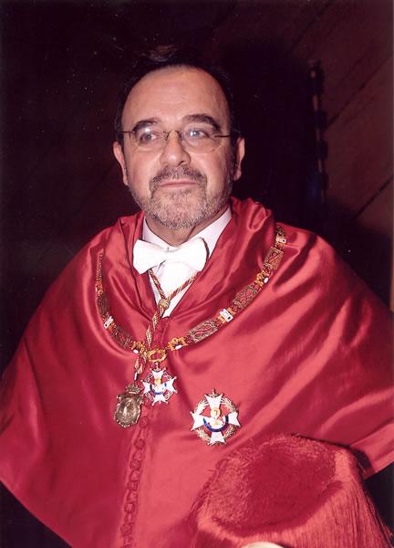 78. Investidura del Prof. Luzón como Prof. Honorario de la Facultad de Derecho de Orense, Univ. Vigo, 20 enero 2006. El Prof. Honorario.