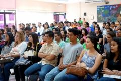 12-7-2016. Asistentes a la conferencia en la Facultad de CC. JJ. de la UCA.