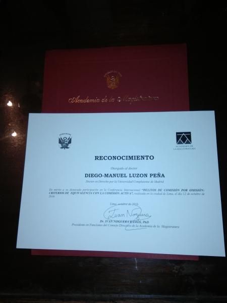 16-10-12 Academia Magistratura Peru, Lima reconocim DL