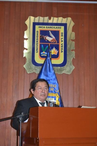 2016-10-13 El Prof. Dr. Palomino Manchego durante su Laudatio.