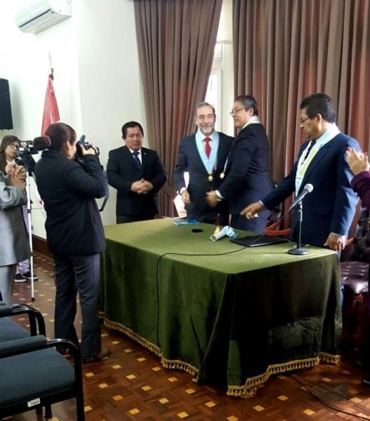 31-08-2016. Ceremonia de nombramiento del Prof. Dr. Dr. h.c. mult. Díaz y García Conlledo como Miembro Honorífico del Colegio de Abogados de Lima.