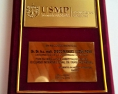 2016-10 1 Placa reconoc a DL XI Curso Internac Univ. San Martin de Porres
