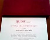 2016-10 5 diploma reconoc a DL XI Curso Internac Univ. San Martin de Porres c estuche