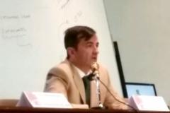 El Prof. Demetrio Crespo durante su ponencia.