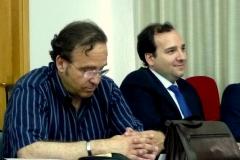 A la izq., el Prof. Dr. Boldova Pasamar, acompañado a la dcha. por D. Enrique Luzón Campos.