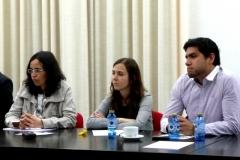 De izq. a dcha., la Prof. Dra. Trapero Barreales, D.ª Susana Escobar Vélez y D. Alfredo Alpaca Pérez.