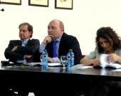 De izq. a dcha., los Profs. Dres. Portilla Contreras, Paredes Castañón (ponente) y Roso Cañadillas (moderadora).