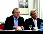 De izq. a dcha., los Profs. Dres. Luzón Peña y de Vicente Remesal.